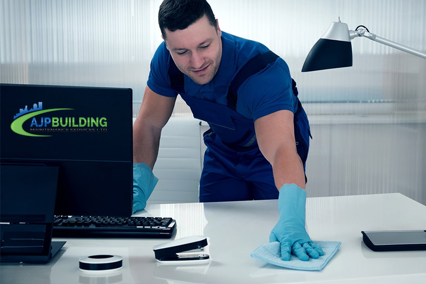 5 Ways a Professional Office Cleaning Service